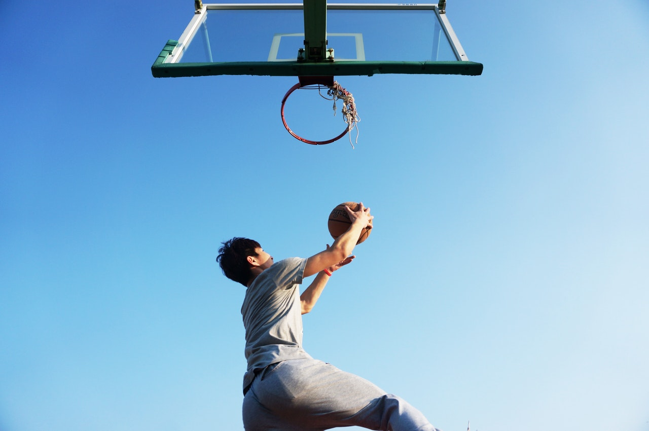 basketball-dunk-blue-game-163452--1-